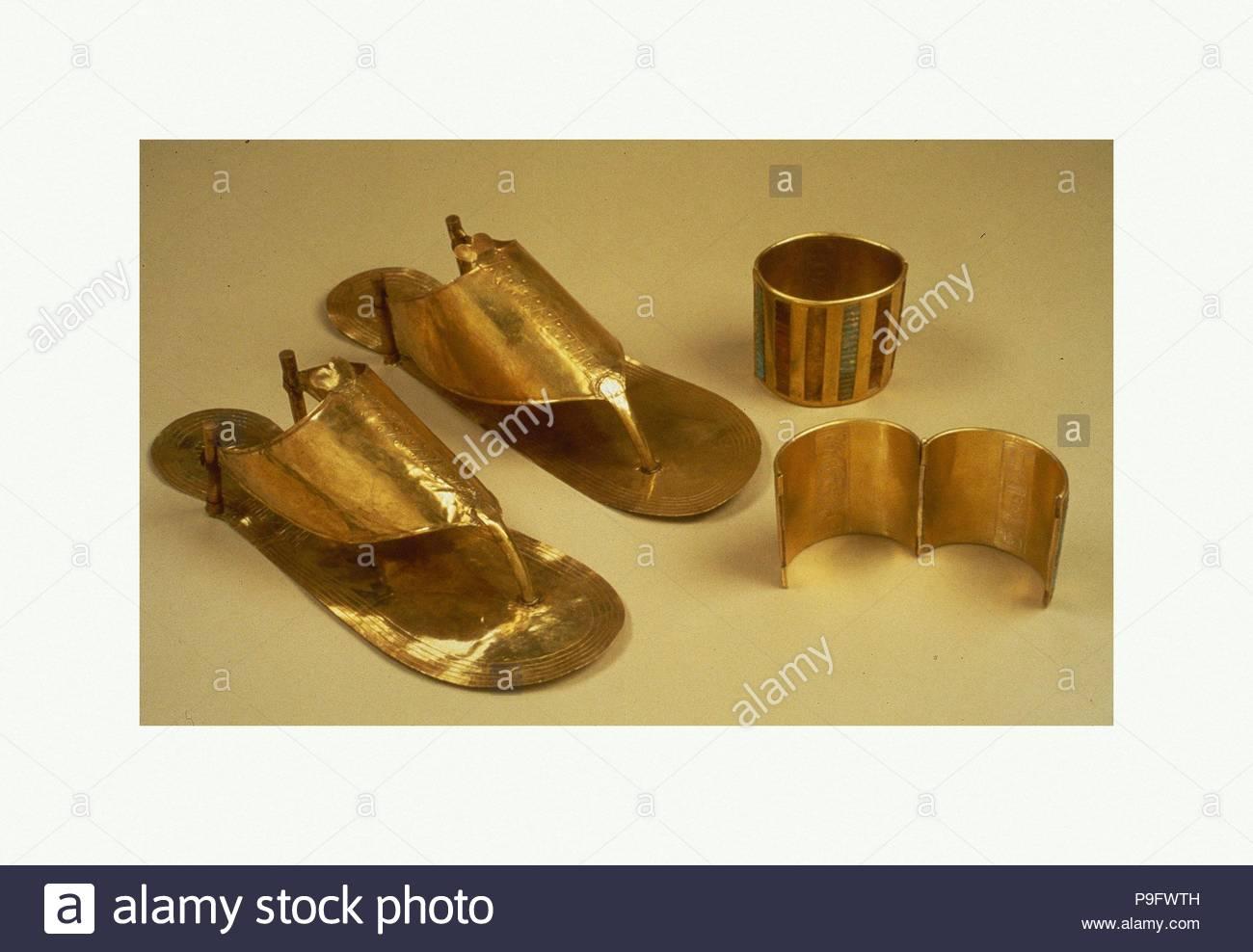68a0d6090d04bf Sandals