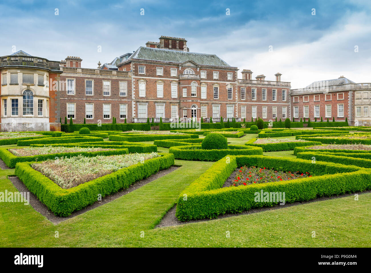 wimpole hall a country house located in wimpole estate rh alamy com