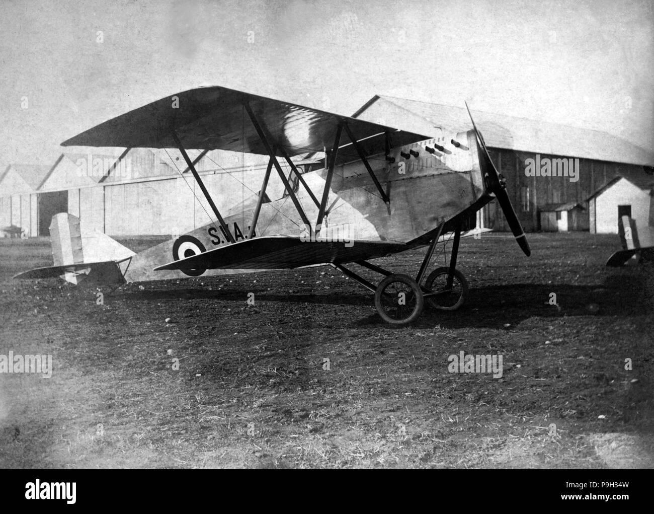 England. Magenta SVA biplane parked on an airfield, 1918. - Stock Image