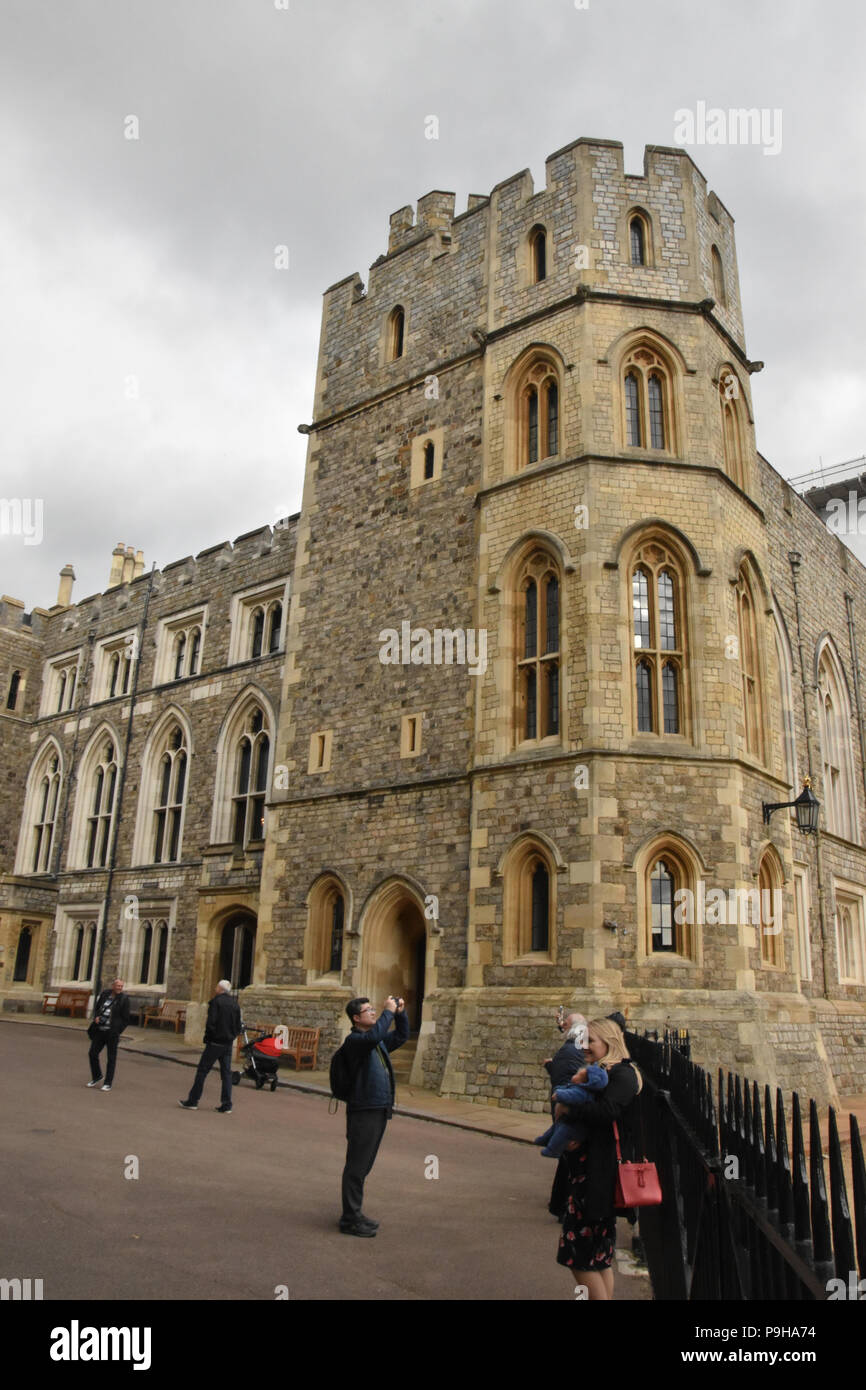 Tourists taking photos in the Upper Ward of Windsor Castle, Windsor, UK. - Stock Image