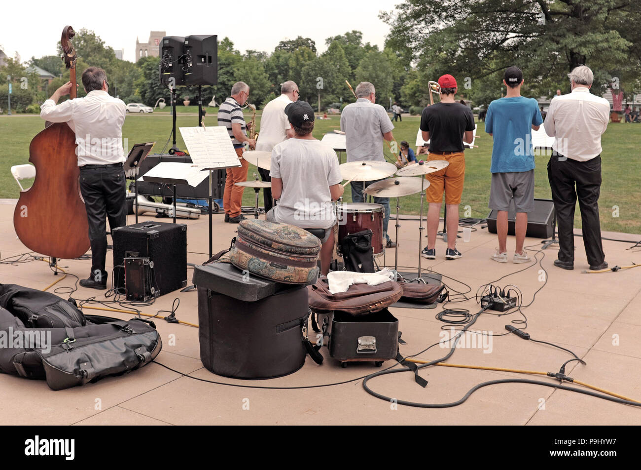 Jazz band plays in Wade Park in University Circle in Cleveland, Ohio, USA. - Stock Image