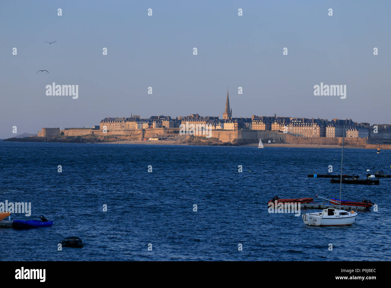 Town of St. Malo viewed across the bay from Dinard in northern Brittany. - Stock Image