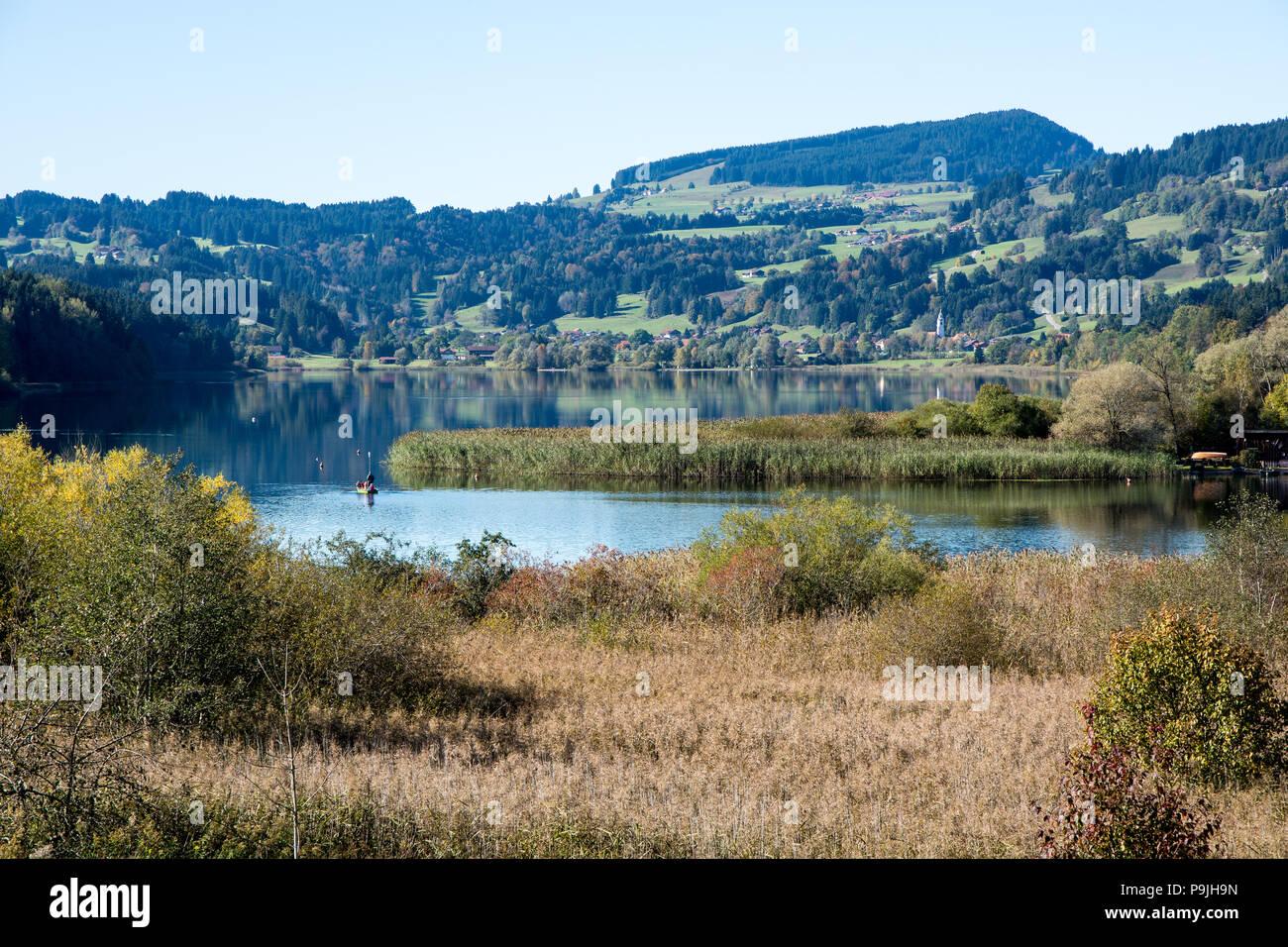Niedersonthofener See mit Spiegelung Stock Photo
