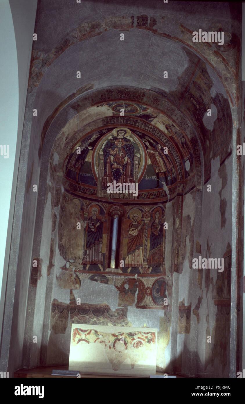 Apse of the church of Santa Maria de Taüll in the Vall de Boi (Boi Valley), Alta Ribagorza. - Stock Image