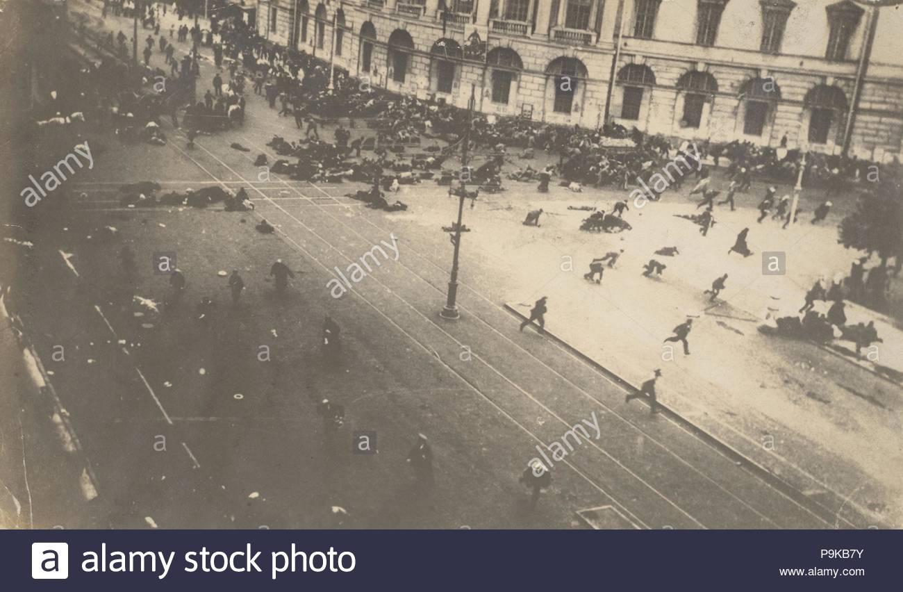 [Government Troops Firing on Demonstrators, Corner of Nevsky Prospect and Sadovaya Street, St. Petersburg, Russia], July 4, 1917, Gelatin silver print, 12.2 x 21.5cm (4 13/16 x 8 7/16 in.), Photographs, Karl Karlovich Bulla (Russian, born Germany, 1853–1929). - Stock Image