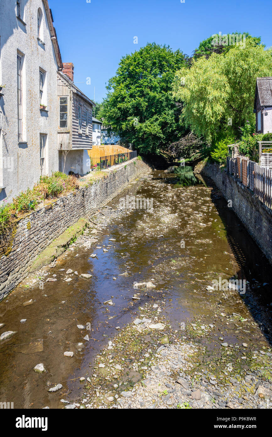 The River Neet Or Strat running low in water during the heatwave of summer 2018 (July) in the small Cornish town Stratton, North Cornwall, England, UK - Stock Image