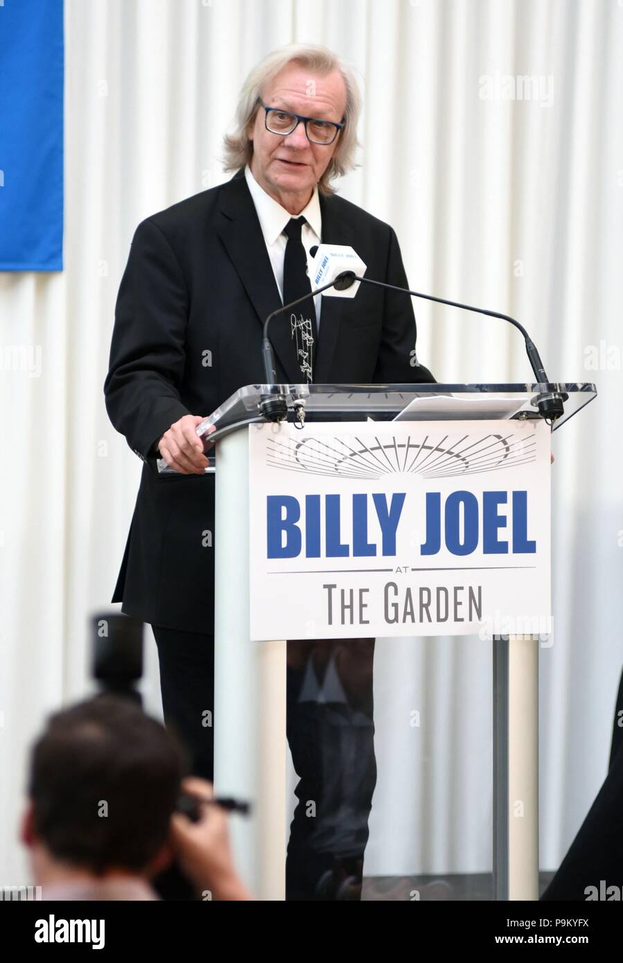 New York, NY, USA. 18th July, 2018. Jim Kerr at a public appearance for Billy Joel Celebrates 100th Performance at MSG, Madison Square Garden, New York, NY July 18, 2018. Credit: Derek Storm/Everett Collection/Alamy Live News - Stock Image