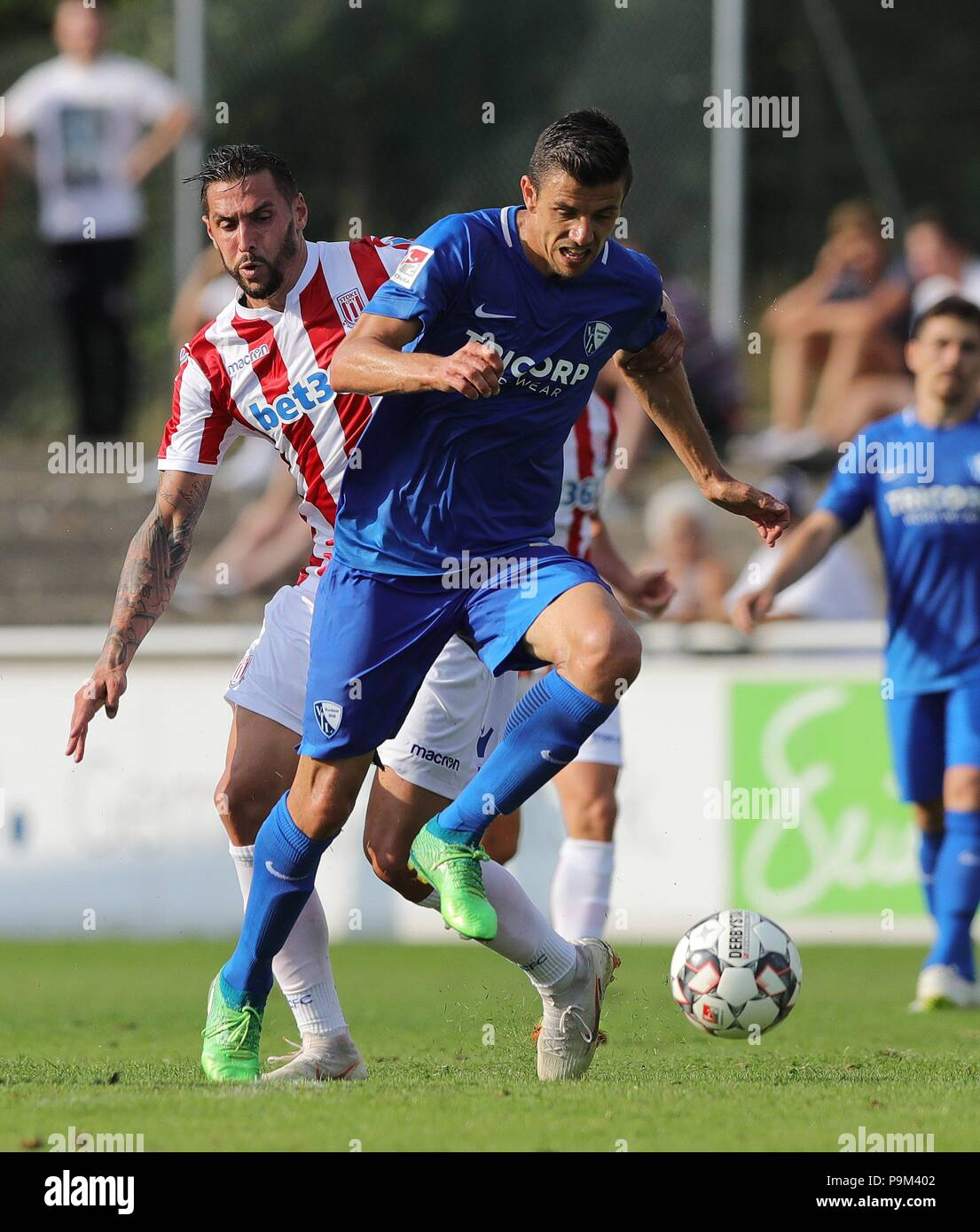 firo: 18.07.2018, Football, 2.Bundesliga, Season 2018/2019, VfL Bochum - Stoke City in Rheine Anthony LOSILLA, Bochum, duels | - Stock Image
