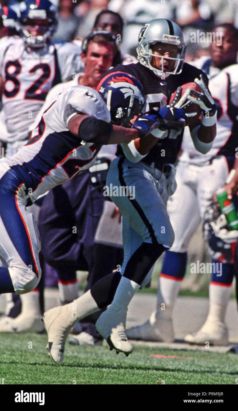 a6a1a583 September 17, 2000 - Oakland, California, U.S - Oakland Raiders vs. Denver