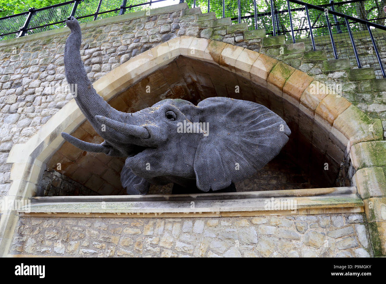 Wire sculpture of an elephant at the Tower of London - Stock Image