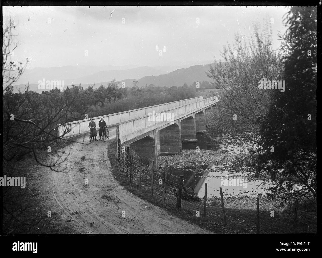 324 View of the Moonshine Bridge over the Hutt River. ATLIB 293495 - Stock Image