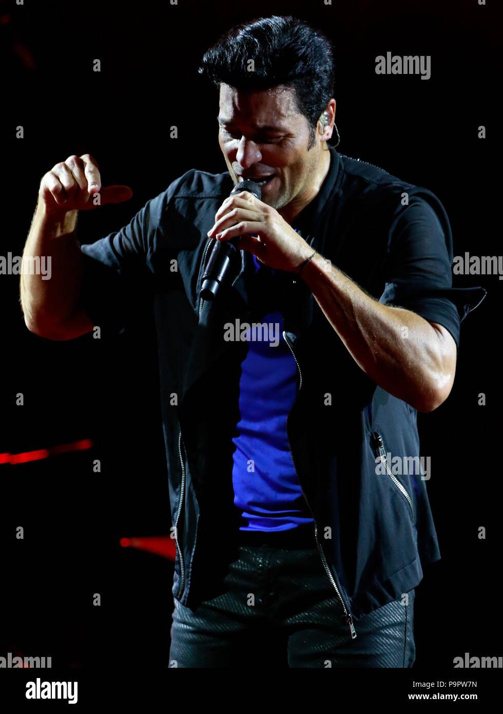 El cantante, bailarín y actor puertorriqueño Chayanne  , durante su concierto en el AVA Amphitheater de casino del Sol en Tucson Arizona , el 4 de sep Stock Photo