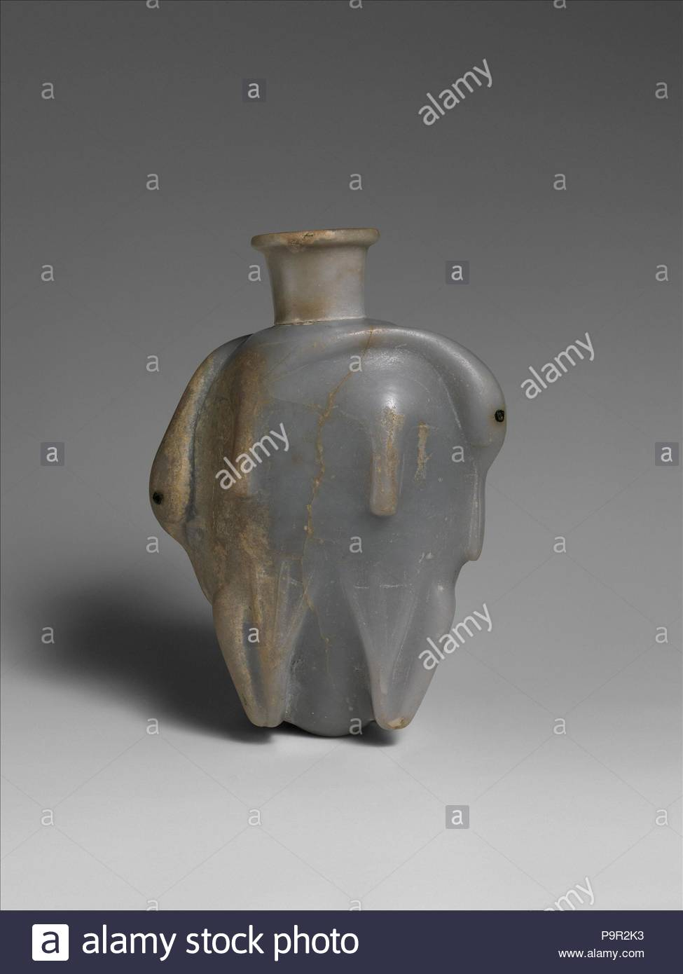 Vase, Middle Kingdom, Dynasty 13–17, ca. 1800–1550 B.C., From Egypt, Northern Upper Egypt, Abydos, Garstang excavations, 1907, Anhydrite, h. 12.5 cm (4 15/16 in). - Stock Image