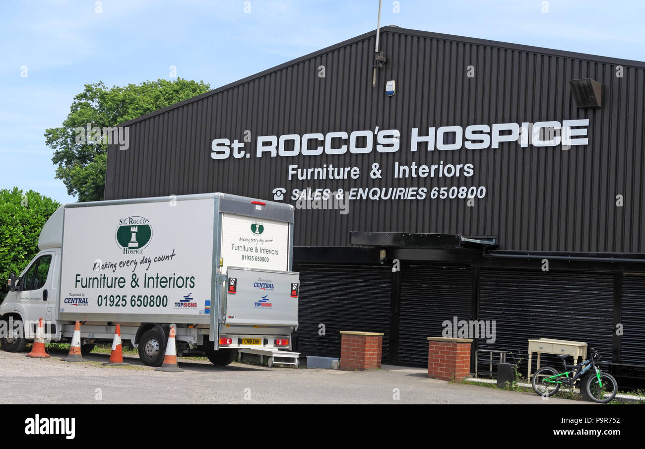 St Rocco Hospice Shop, Knutsford Road, Warrington, Cheshire, North West England, UK - Stock Image