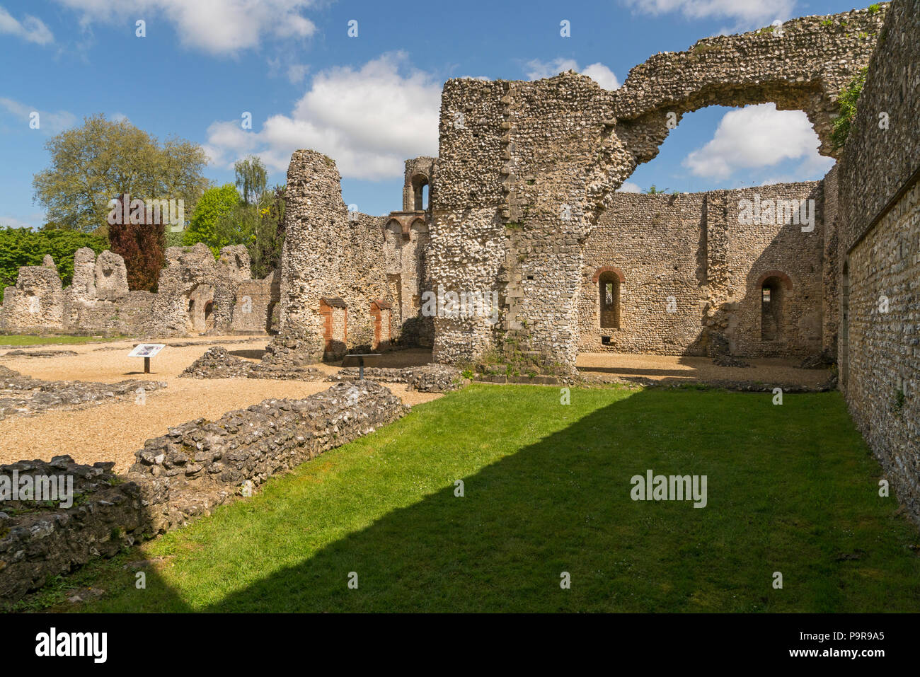 Wolvesley Castle a.k.a. Old Bishops Palace in Winchester, Hampshire, England - The remains of a 12th century palace, once residence of the bishops of  - Stock Image