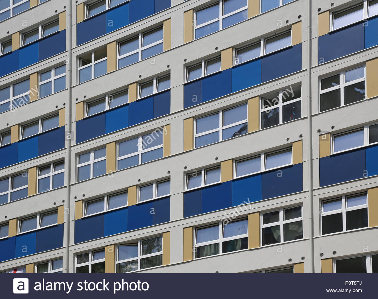 Wilmcote House, Portsmouth, UK. 1968-built social housing tower blocks recently refurbished to EnerPHit standard reducing energy use by 90% - Stock Image