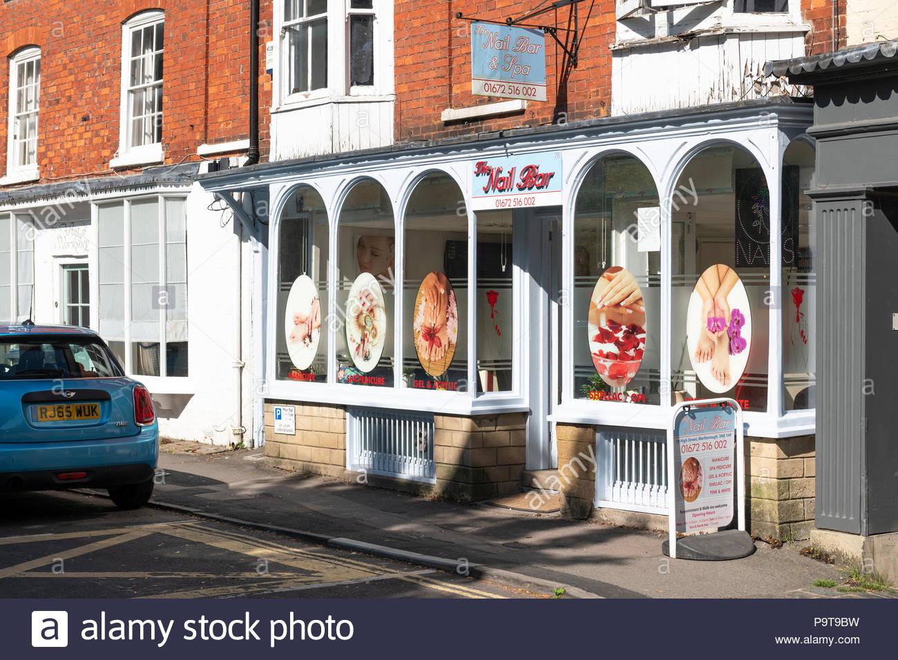 Nail Bar Stock Photos & Nail Bar Stock Images - Alamy