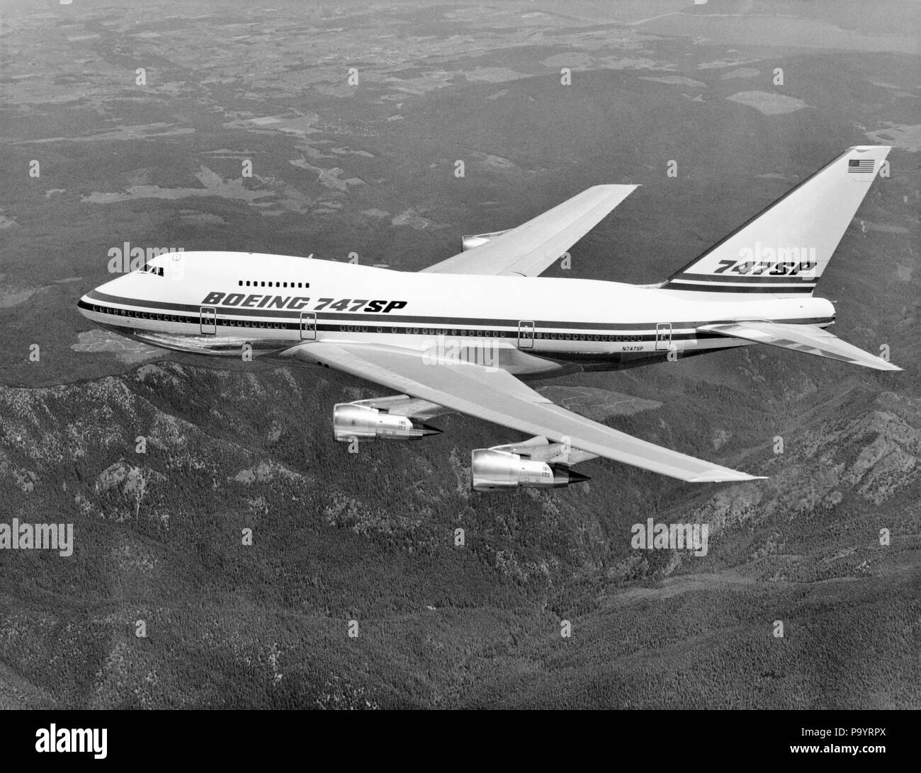 1970s BOEING 747 SP JET AIRPLANE IN FLIGHT - a8479 HAR001 HARS OLD FASHIONED - Stock Image