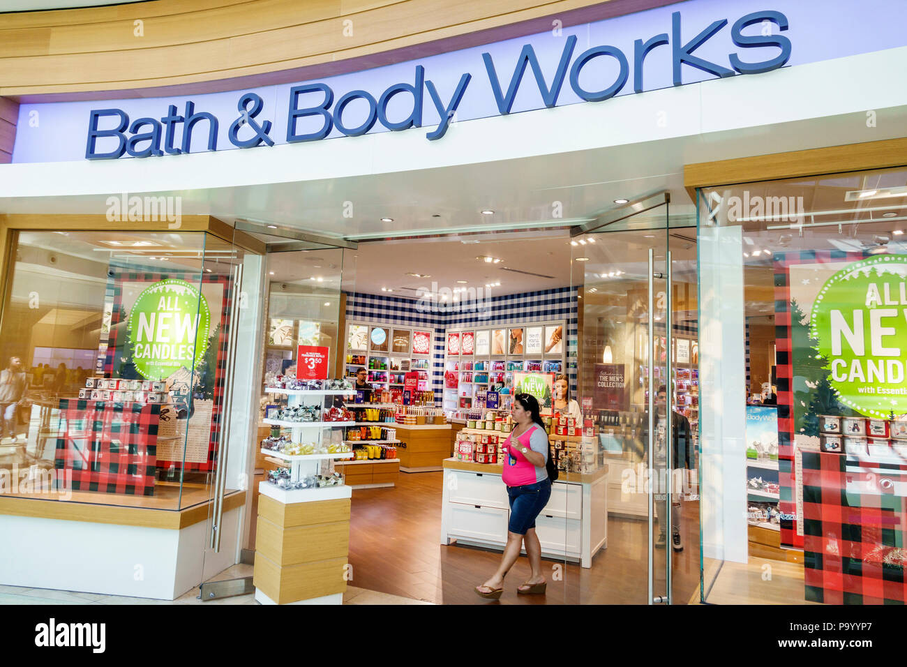 Bath And Body Works Stock Photos Amp Bath And Body Works