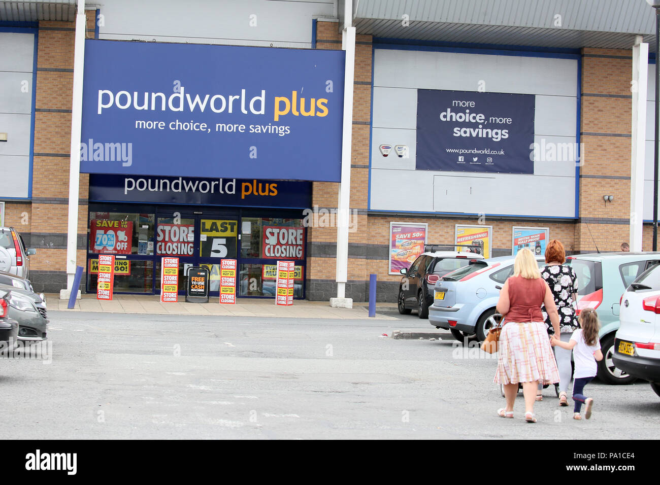Rochdale, UK. 20th July 2018. It has been announced that Poundeworld will cease to exist on high streets from next month with administrators saying it had failed to find a buyer.  Poundland Plus store on Kingsway retail park is holding a closing down sale,Kingsway, Rochdale,20th July, 2018 (C)Barbara Cook/Alamy Live News - Stock Image
