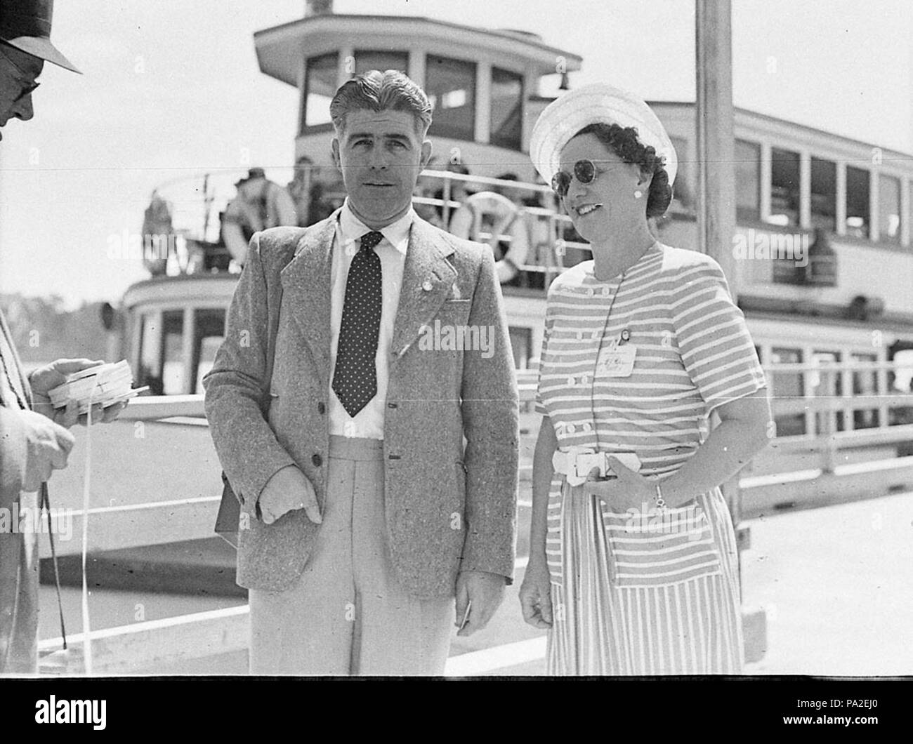 262 SLNSW 36719 Associated Bread Manufacturing Conference ferries leaving for picnic - Stock Image