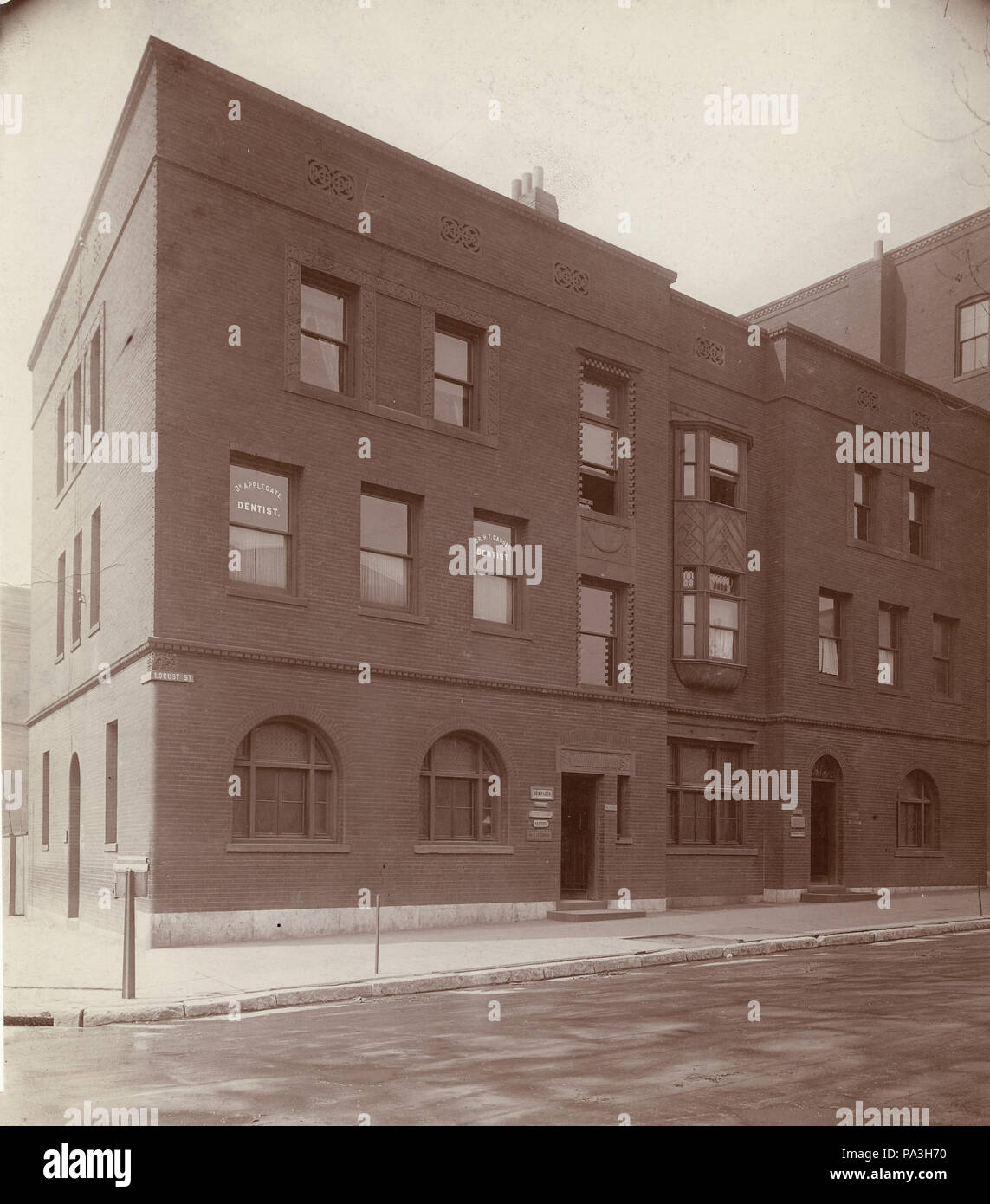 582 Doctor's Offices at 2602-2604 Locust Street. Offices of Sidney I.  Schwab, M.D; Malvern B. Clopton, M.D; G.W. Applegate, D.D.S; H.W. Cassel,  ...