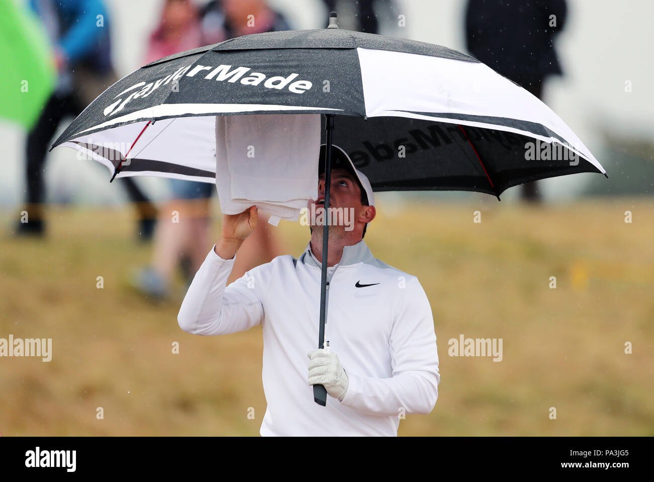 d4e486d60de3 Northern Ireland's Rory McIlroy adjusts his towel and umbrella ...