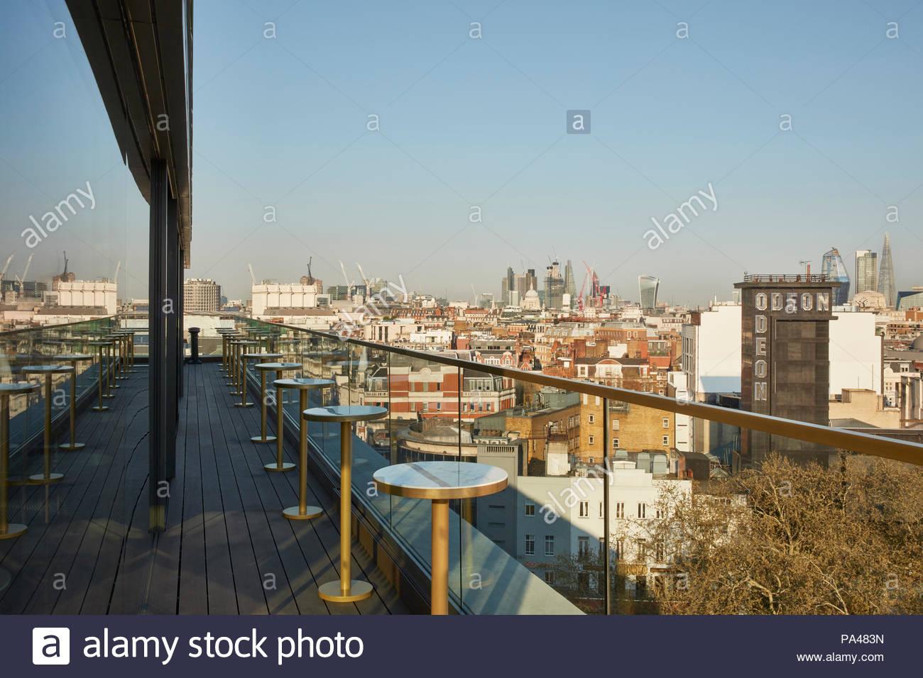 Rooftop bar. Indigo Hotel, Leicester Square, London, United Kingdom. Architect: Michaelis Boyd Associates Ltd, 2018. - Stock Image