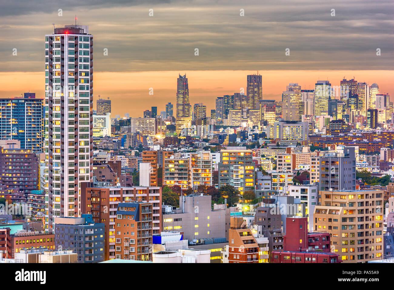 Tokyo, Japan twilight cityscape towards the Shinjuku Ward financial district. - Stock Image