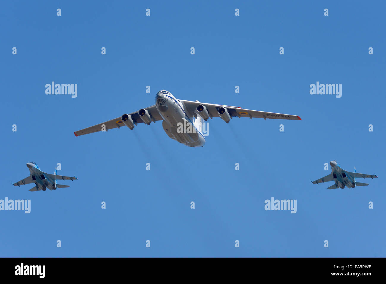 Ukrainian Air Force Ilyushin Il76 Candid and Sukhoi Su27 Flanker fighter jets at the Royal International Air Tattoo RIAT 2018, RAF Fairford, UK. - Stock Image