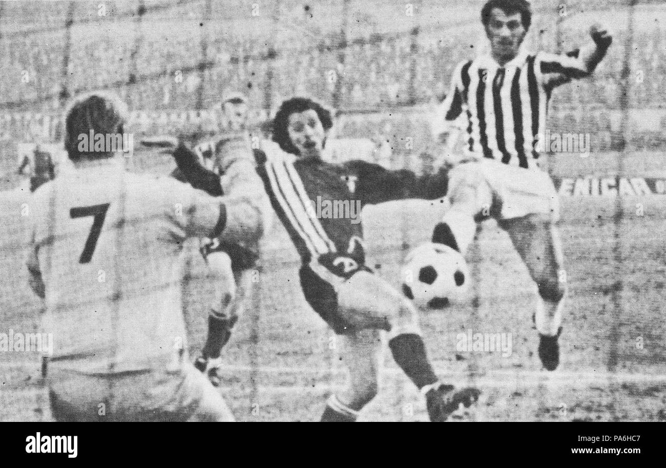 inter cities fairs cup high resolution stock photography and images alamy https www alamy com 7 1970 71 inter cities fairs cup juventus fc v fc twente adriano novellini scoring image212816359 html