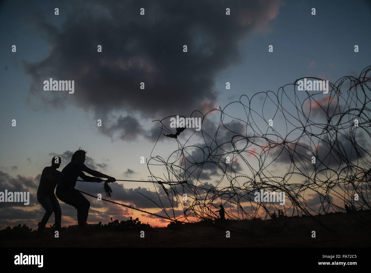 Pull Wire Stock Photos & Pull Wire Stock Images - Alamy