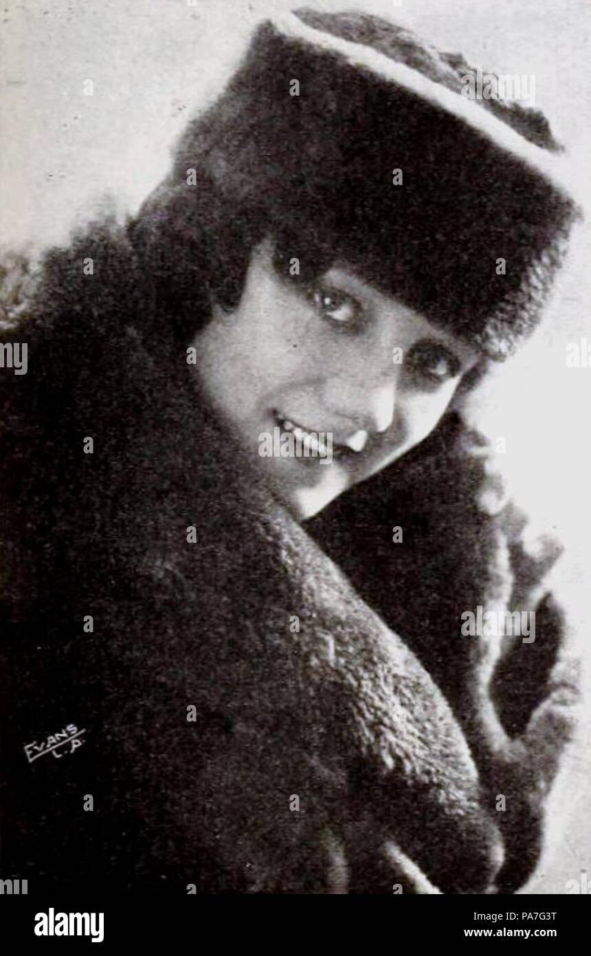 picture Elinor Fair
