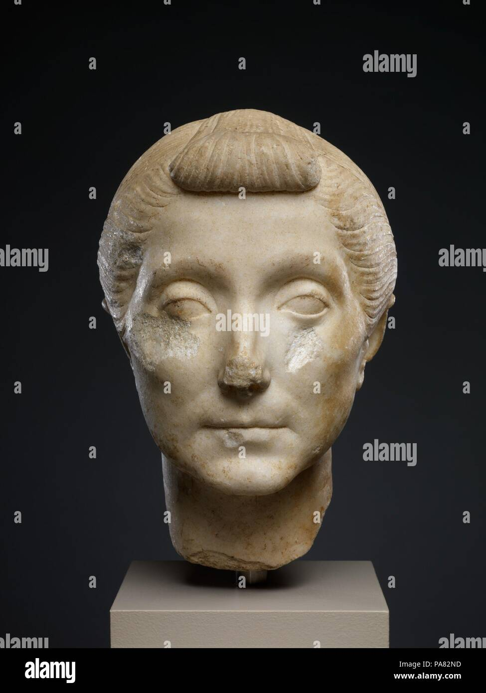 40 20 B C Stock Photos Images Alamy The Iron Bar In Uquot Shape With Dimensions As Shown Diagram Marble Head Of An Elderly Woman Culture Roman 10 1