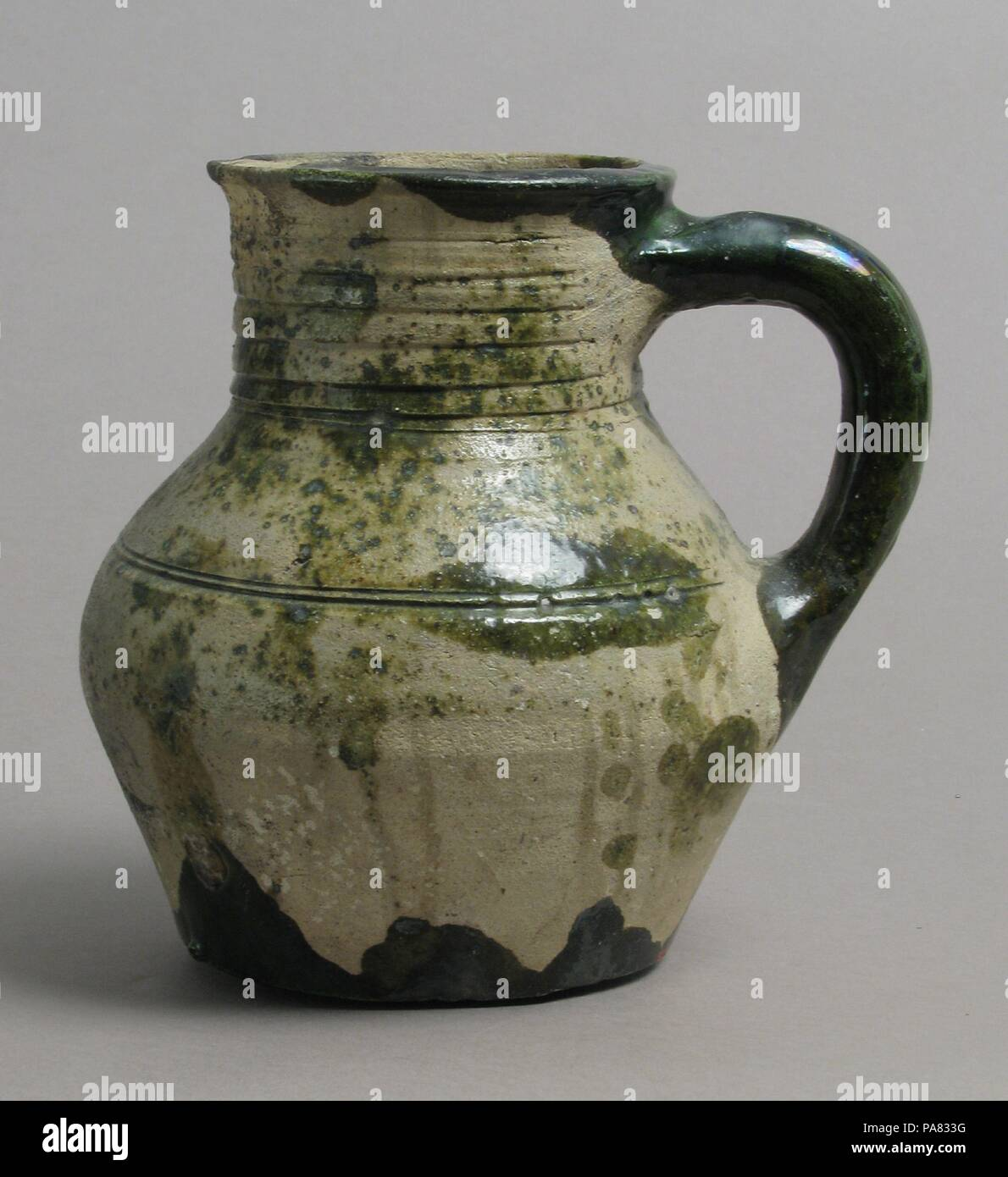 pottery Dating earthenware