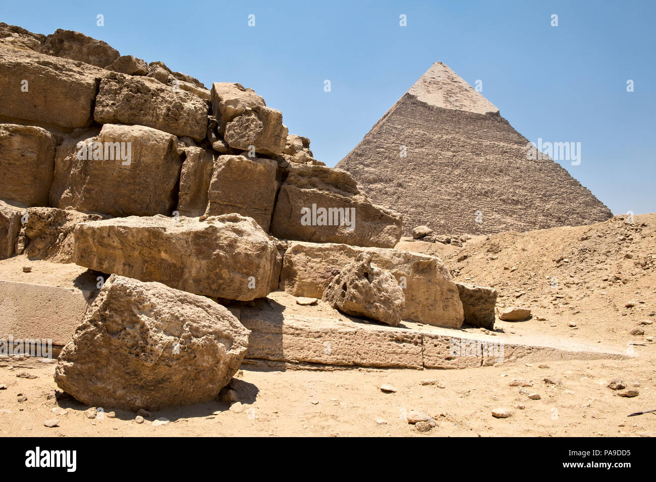 Pyramid of Khafre and ruins at the Western cemetery, Giza, Egypt - Stock Image