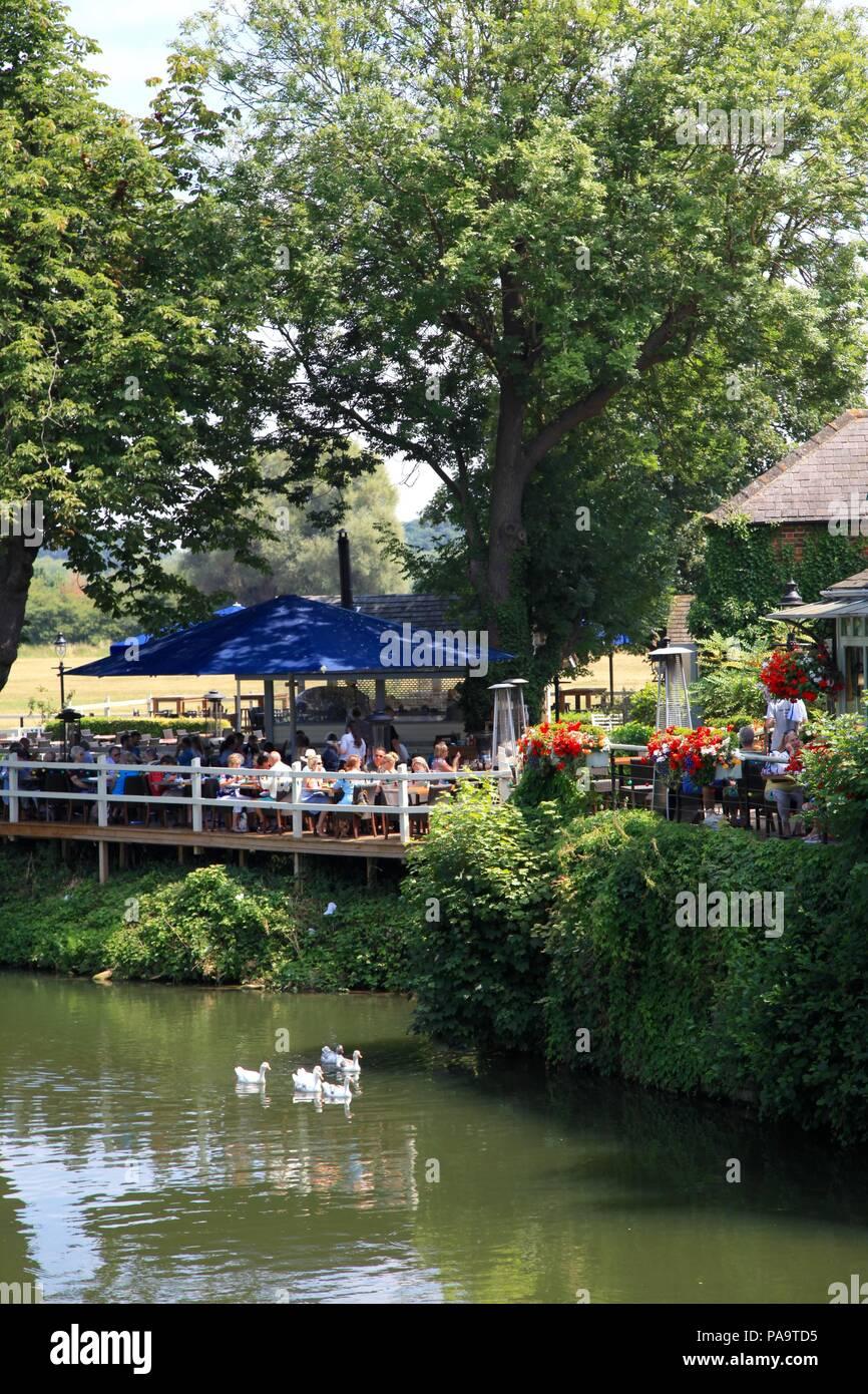River Thames at The Nags Head Abingdon Oxfordshire UK Stock Photo