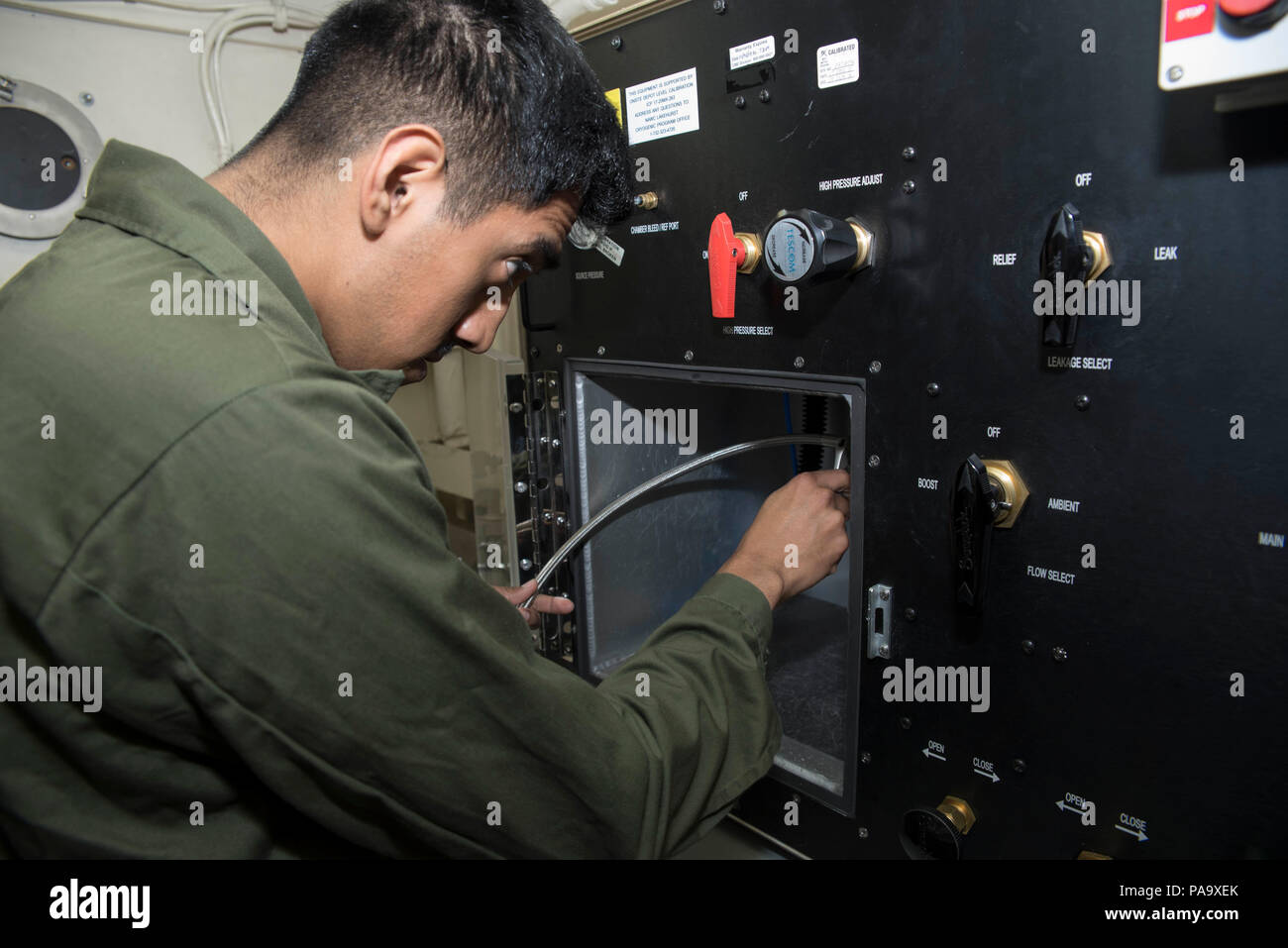 Portable Oxygen Stock Photos Images Alamy Los Angeles Electrical With Circuit Panels Neatness Counts 160308 N Ru971 015 East Sea March 8 2016