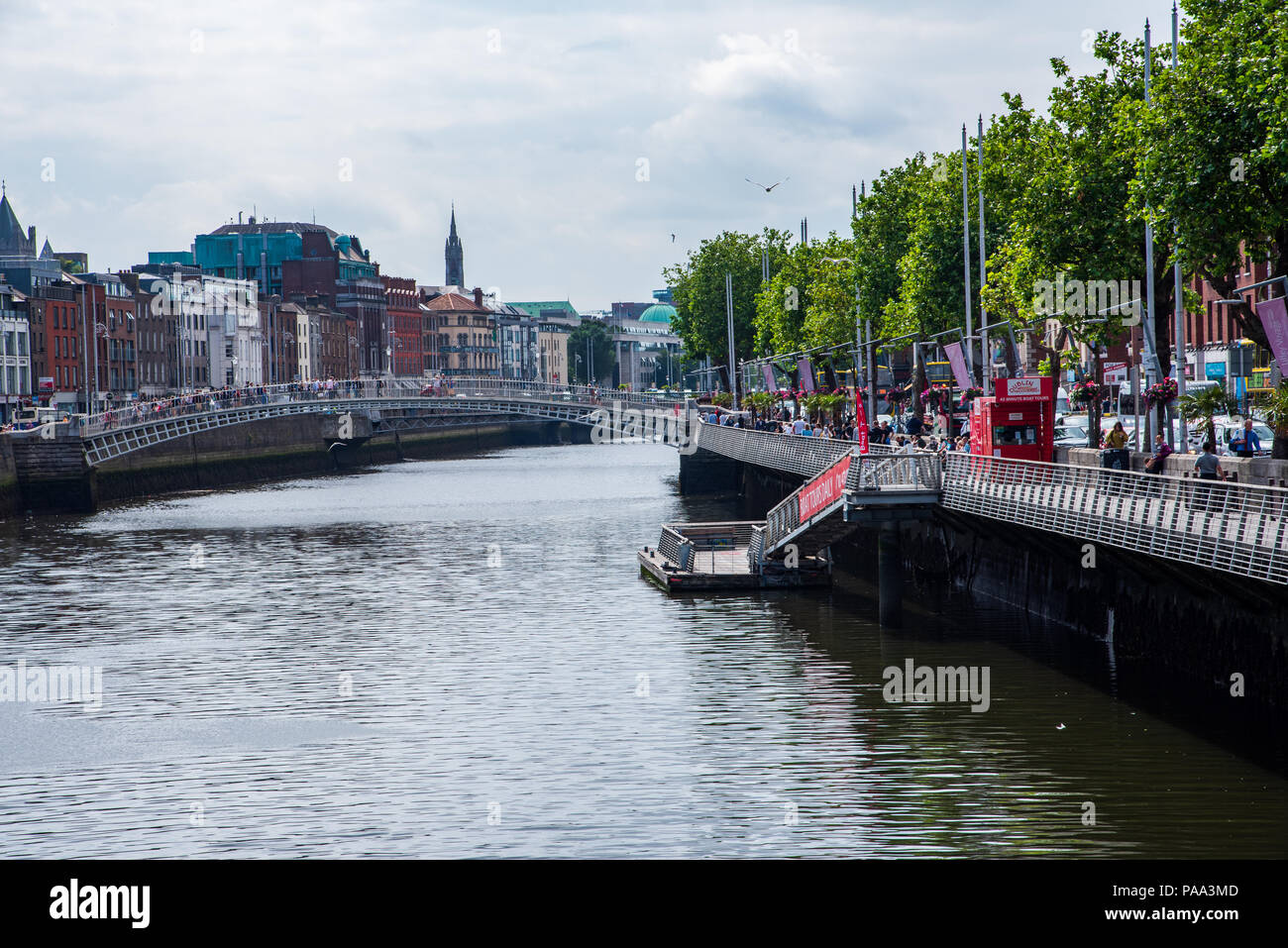 The colorful banks of the River Liffey in Dublin, Ireland - Stock Image
