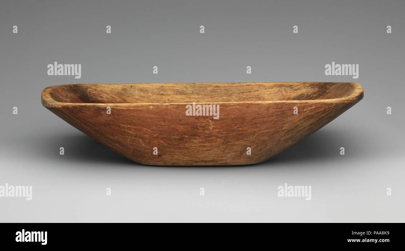 Bowl. Culture: American, Shaker. Dimensions: 3 1/4 x 15 1/8 x 8 5/8 in. (8.3 x 38.4 x 21.9 cm). Maker: Isaac N. Youngs (1793-1865). Date: 1810-65. Museum: Metropolitan Museum of Art, New York, USA. - Stock Image