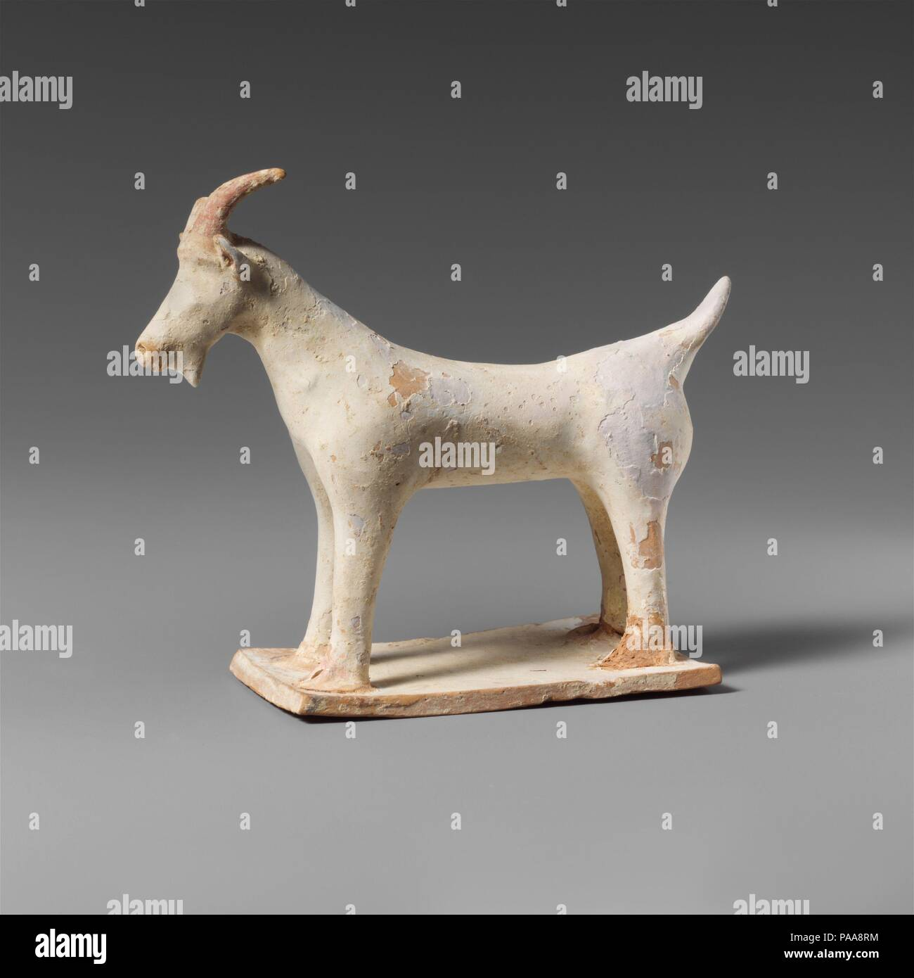 Antiques Unique Pure Natural Green Jade Hand Carving Zodiac Year Sheep Goat Animal Statue To Win A High Admiration Chinese