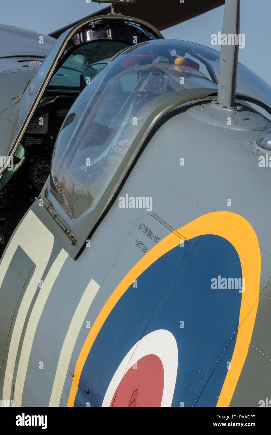cockpit of spitfire fighter plane or aircraft - Stock Image