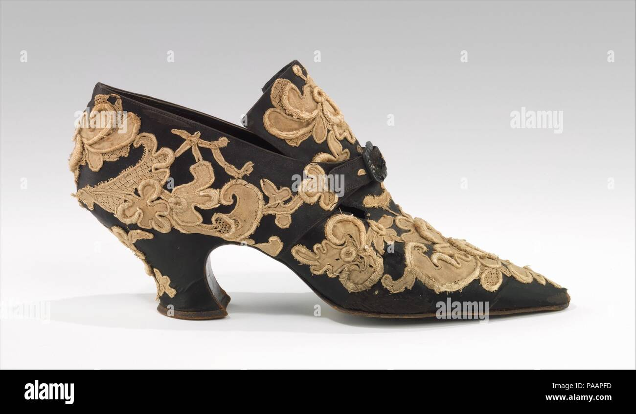 Evening shoes. Culture: French. Designer: Pierre Yantorny (Italian, 1874-1936). Date: 1914-19.  Pietro Yantorny (1874-1936), the self-proclaimed 'most expensive shoemaker in the world', was a consummate craftsman utterly devoted to the art of shoemaking.  Yantorny sought to create the most perfectly crafted shoes possible for a select and exclusive clientele of the most perfectly dressed people.  Because Yantorny did not advertise and his production was strictly limited, his work is now best known through surviving shoes he created for Rita de Acosta Lydig, who reportedly owned over 300 pairs. - Stock Image