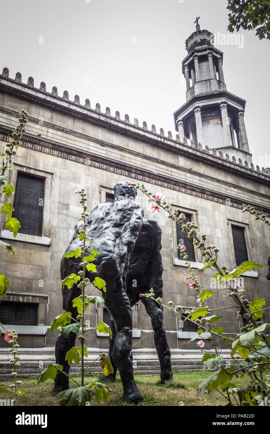 David Breuer-Weil's Brothers bronze sculpture in Saint Pancras Churchyard on Euston Road in St Pancras' Churchyard, London, UK - Stock Image