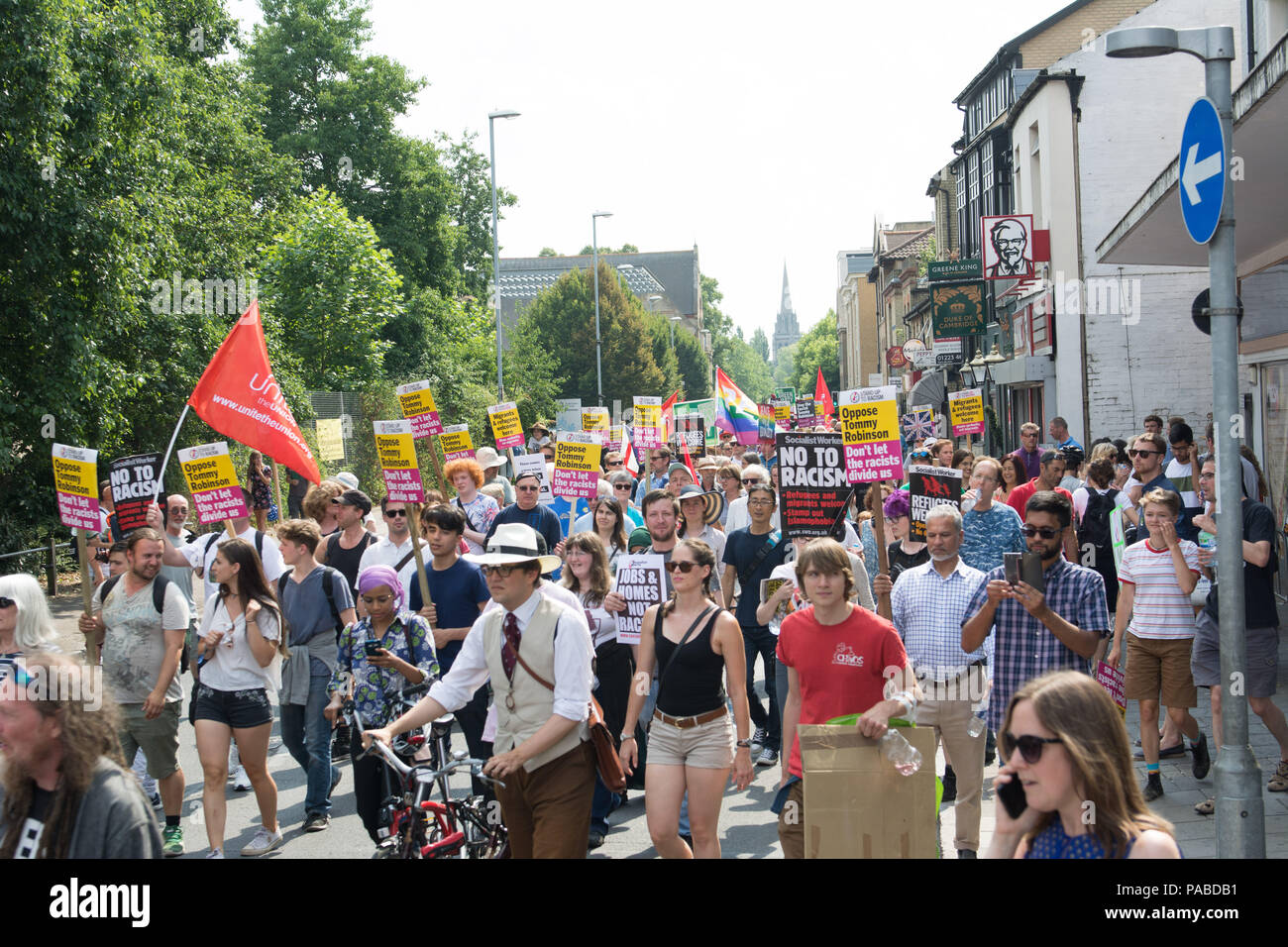 Cambridge UK, 2018-july-21. Mill Road. Two high-profile marches  in Cambridge as a group campaign to 'free' ex-EDL leader Tommy Robinson planned to ma - Stock Image