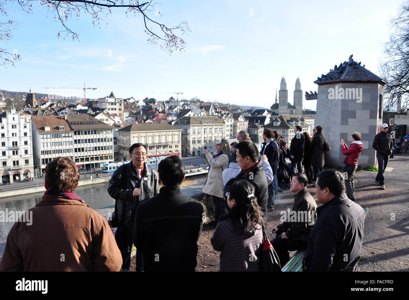 The Linden-Hof in the heart of the old town of Zürich is an attractiv tourist spot, where the city-guides show the chinese visitors the center of Züri - Stock Image