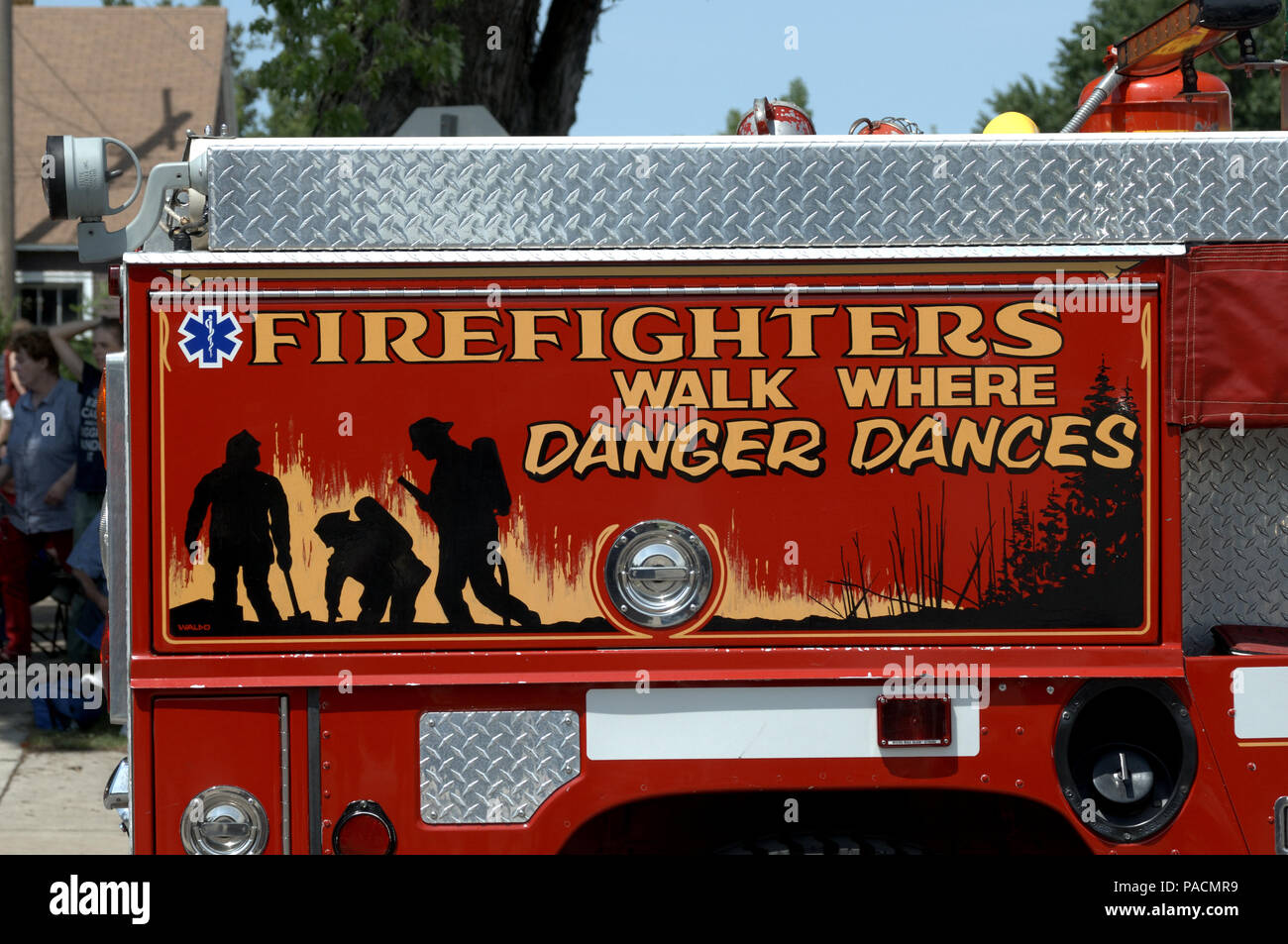 Hummer fire truck in parade - Stock Image