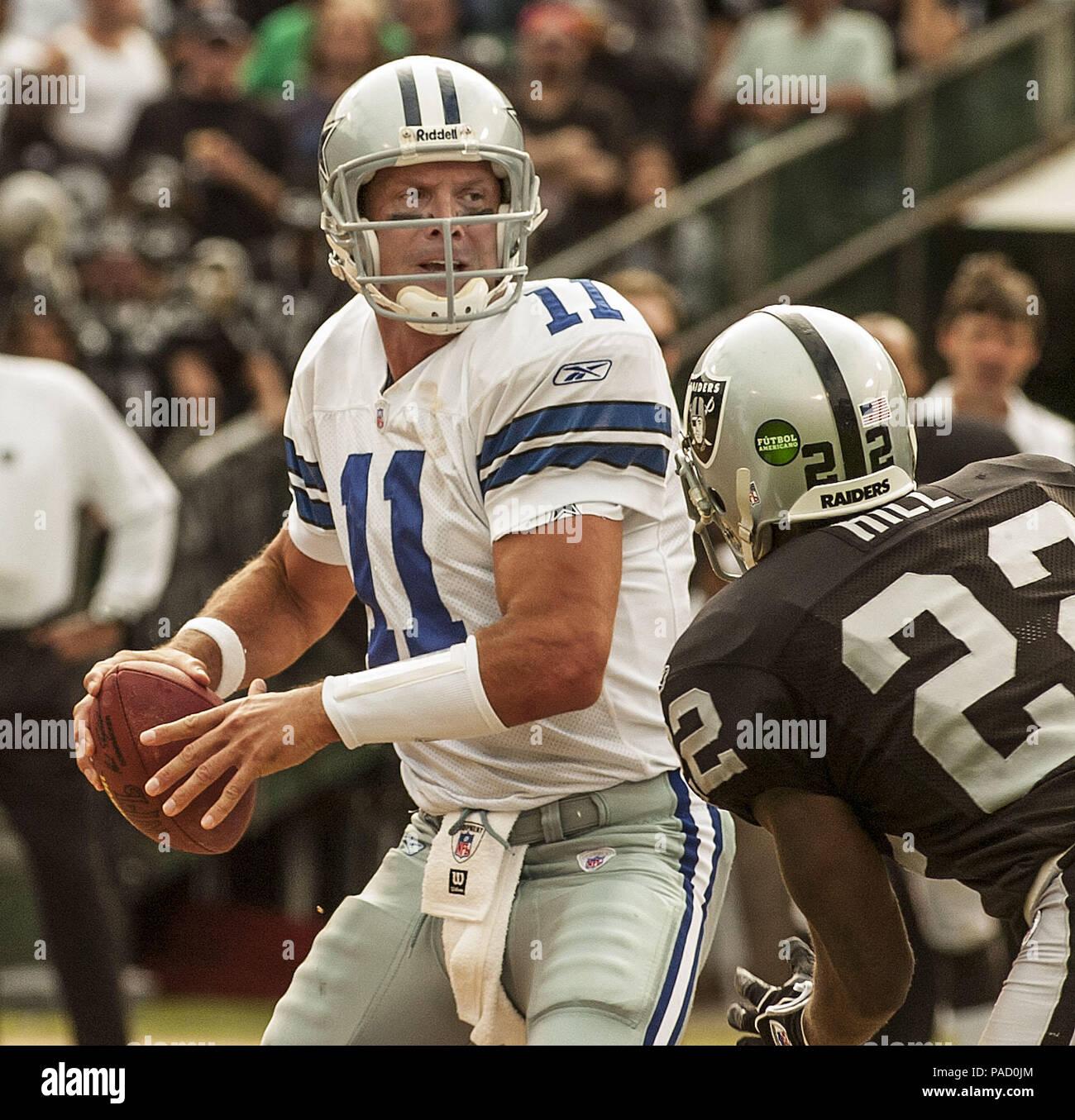 the latest f1b36 919c0 Oakland, California, USA. 2nd Oct, 2005. Dallas Cowboys ...