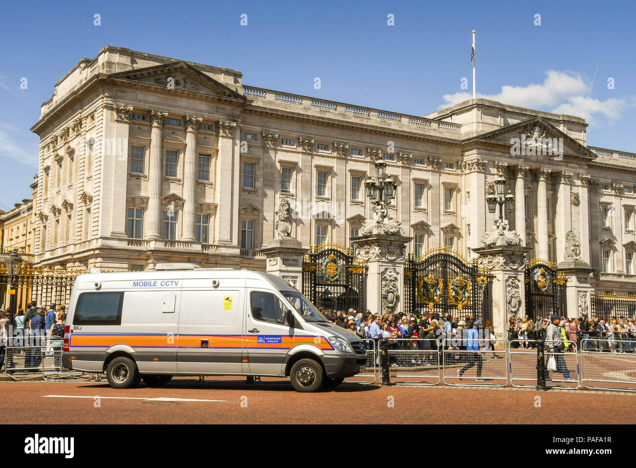 159a310de41a7c Metropolitan Police video surveillance van outside Buckingham Palace for  the Changing of the Guard ceremony -