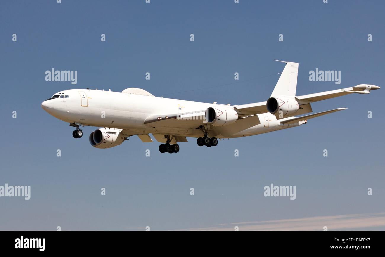 U S Navy E6 B Mercury Doomsday Plane Landing At Raf Fairford For